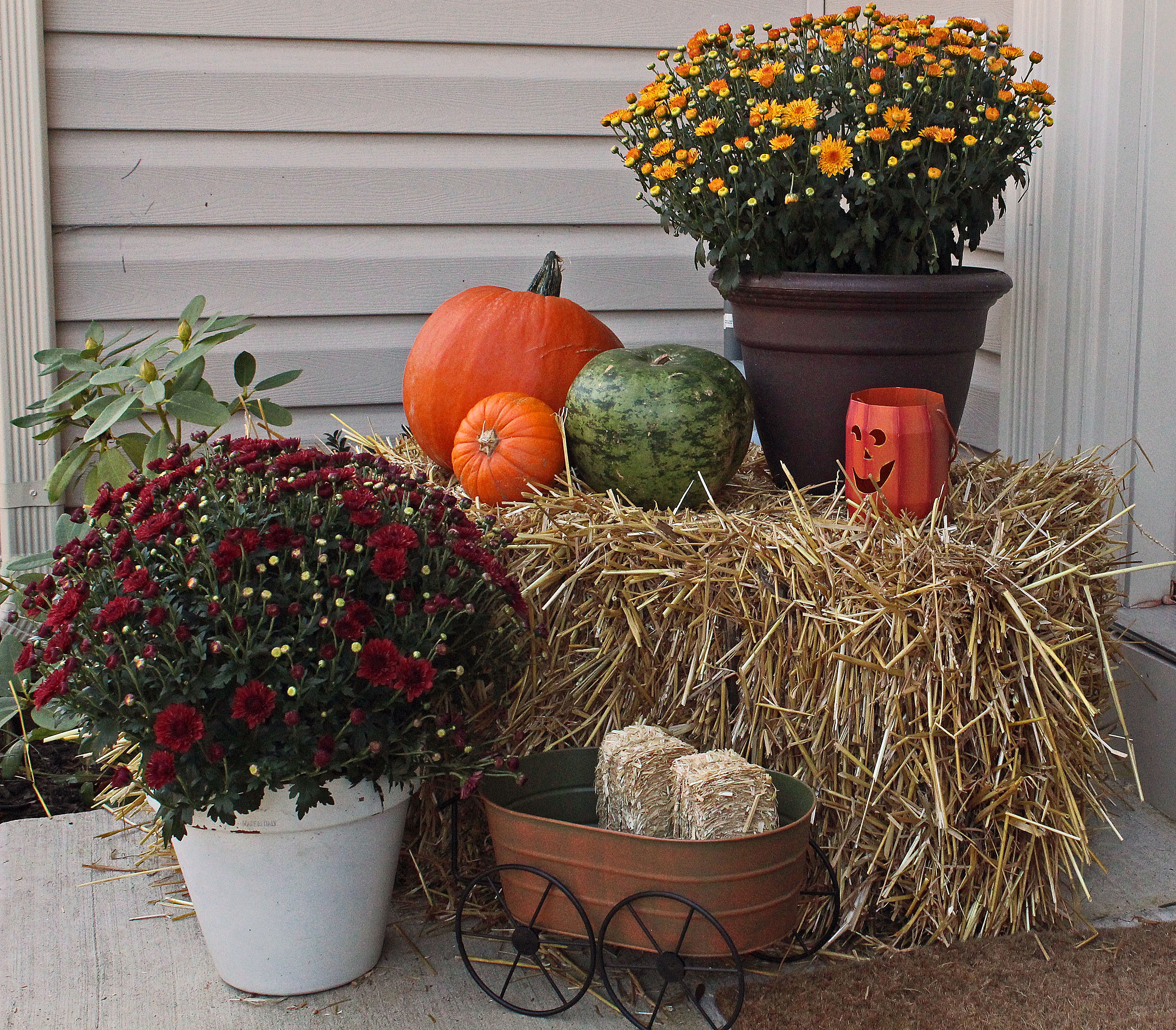 Autumn Yard Decorations: All Sorts Of Festive In The Out-of-Doors